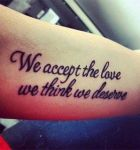 Frase: We accept the love we think we deserve