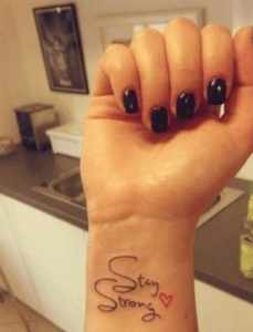 Frase: Stay Strong & Corazón