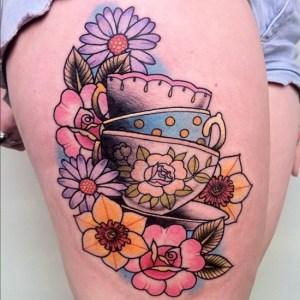 Tazas de Té entre Flores