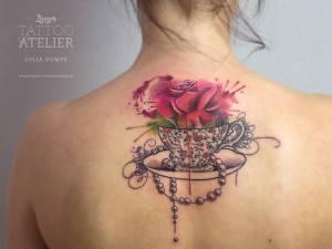 Taza con Flor Rosa by Julia Dumps