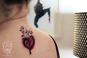 Corazón floreciendo de Música by Bumpkin Tattoo