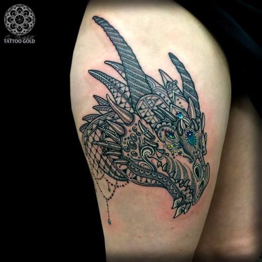 Dragón by Coen Mitchell