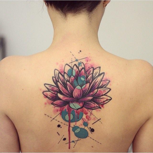 Flor De Loto Estilo Acuarelas Tatuajes Para Mujeres
