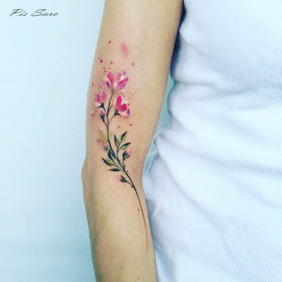 Flores Estilo Acuarelas Por Pis Saro Tatuajes Para Mujeres