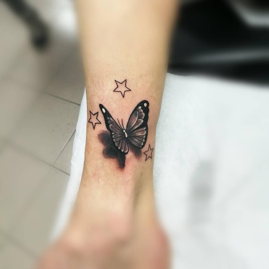 Mariposa Y Estrellas Tatuajes Para Mujeres