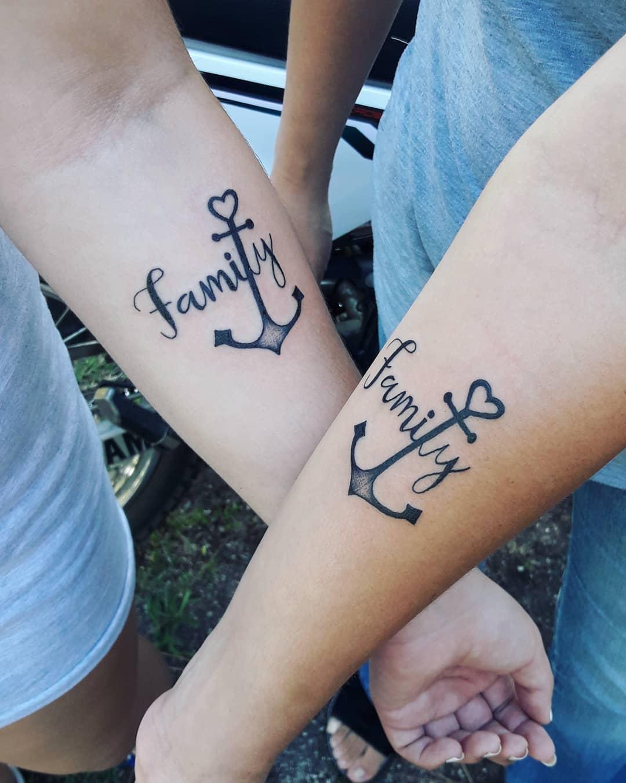 Ancla Y Frase Familia Tatuajes Para Mujeres
