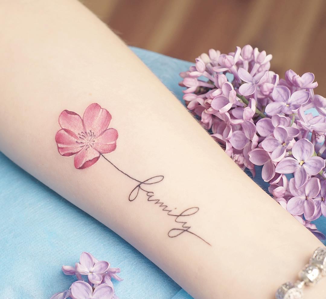 Flor Frase Familia Tatuajes Para Mujeres