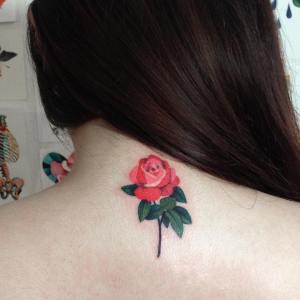 Rosa por Zihee Tattoo