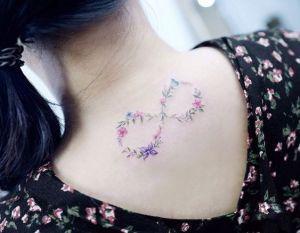 Signo Infinito en flores