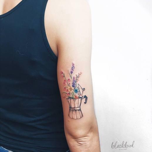 Cafetera florecida por Luiza Oliveira