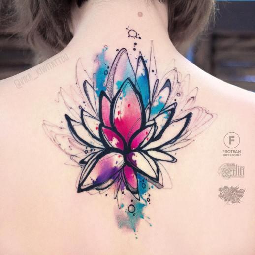 Flor de loto por Вика Kiwi Tattoo