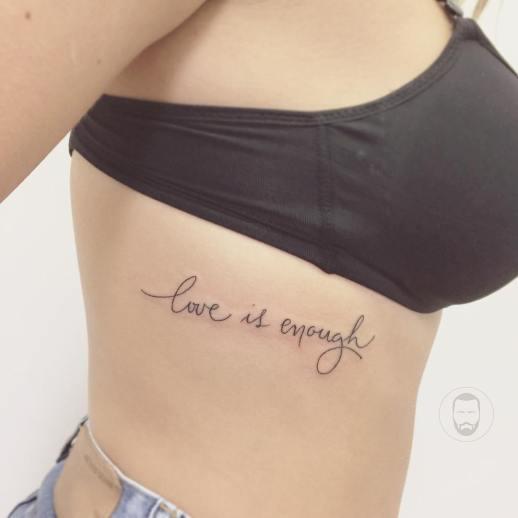 Frase: Love is enough por João Victor Martins