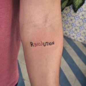 Frase: Revolution Love