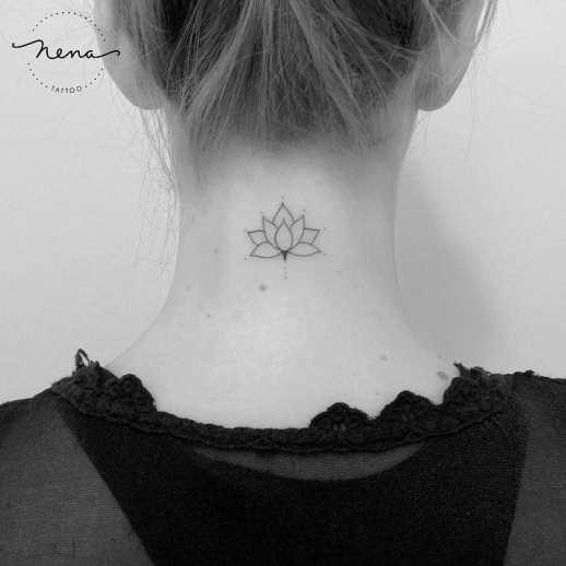 Flor de loto por Nena Tattoo Diana Opazo