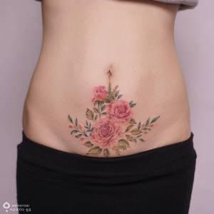 Flores rosas por Tattooist Silo