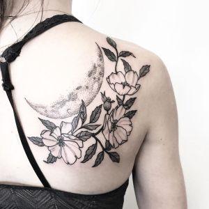 Luna y Flores por Kerry Burke Tattoos