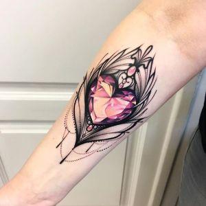 Pluma con corazón de diamante
