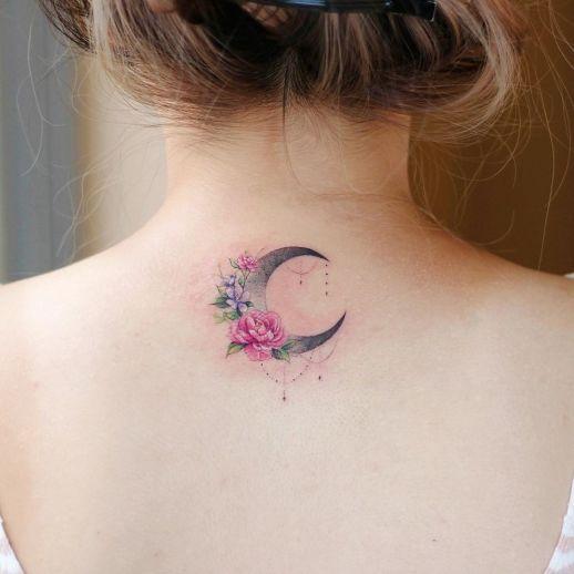 Media luna con flores por Studiobysol, Vane