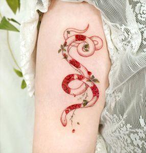 Serpiente por Studio by Sol, Song E. Tattoo