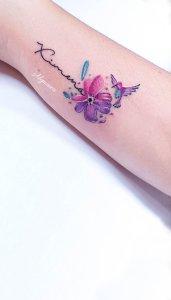 Nombre: Ximena, Flor y Colibrí por Alynana Tattoos
