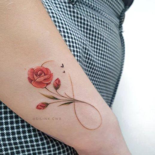 Signo infinito formado con Flor Rosa por Sil Dobbins