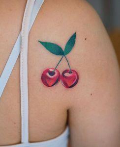 Cerezas por Zihee Tattoo, Heeyajenny