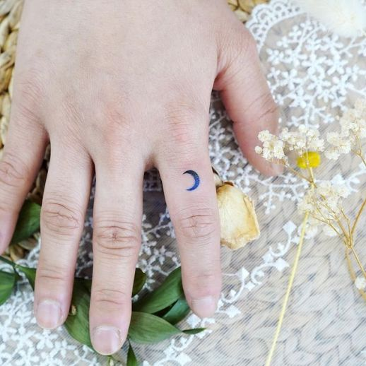 Luna por Tattooist Dal
