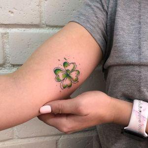 Trébol de la suerte por Risha Tattoo