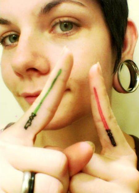 tatuaje espadas laser