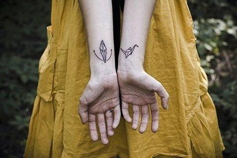 tatuaje grulla de papel