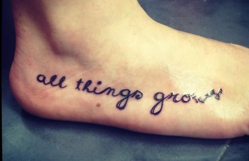 Tattoo frase en el pie
