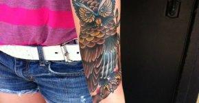 Tattoo buho antebrazo