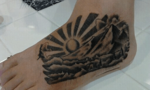 Tattoo paisaje en pie