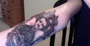 Tatuaje de Edgar Alan Poe