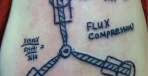 Tatuaje Volver al futuro