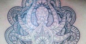Tatuaje pulpo en espalda