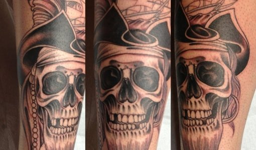 Tatuaje de calavera pirata