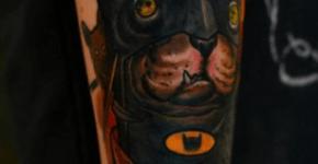 tatuaje de un gato batman