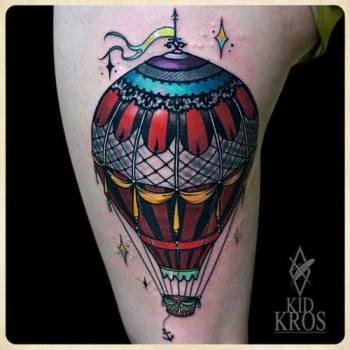 tatuaje-globo-aerostatico-en-la-pierna