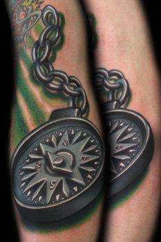 Tatuaje brújula