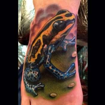 Tatuaje de rana tropical