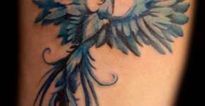 Tatuaje de fénix color azul