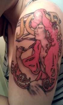 Tatuaje de Alphonse Mucha