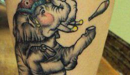 Tatuaje elefante malabarista
