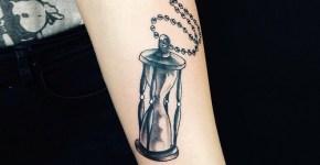 Tatuaje reloj arena