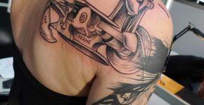 Tatuaje máquina coser