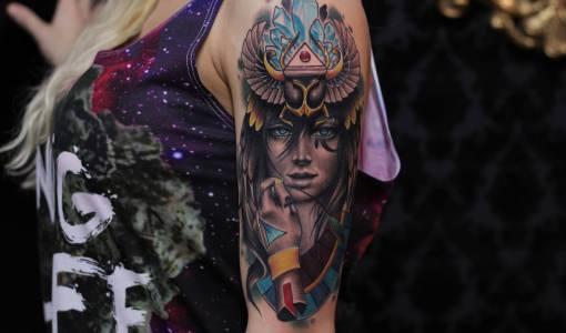 Tatuaje diosa egipcia