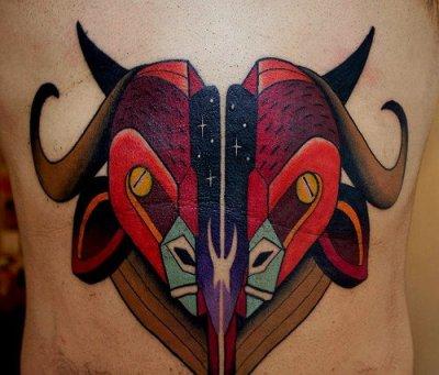 Tatuaje toro rojo