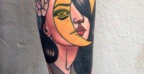 Tatuaje chica lunar