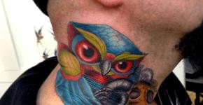Tatuaje de buho azul